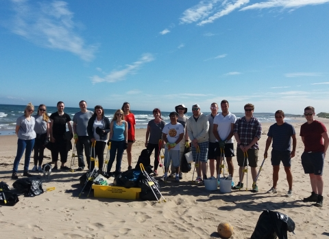 Beach clean volunteers - Aurelie Bohan